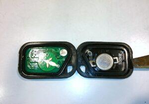 車 キー 電池交換,車 鍵 電池交換
