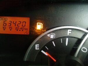 車,ガス欠,対処法