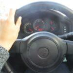 車,ハンドル,異音